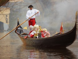 The Carnival of Venice on the Vltava | gondolier